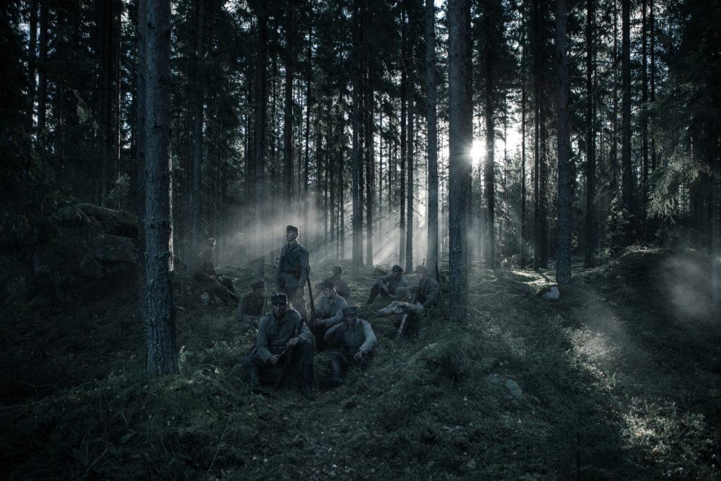Tuntematon Sotilas – Näytös Sisältää Väliajan